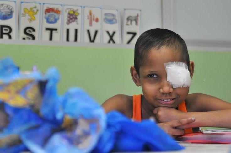Sala de aula hospitalar permite os estudos durante tratamento contra o câncer http://diariode.pe/b09z