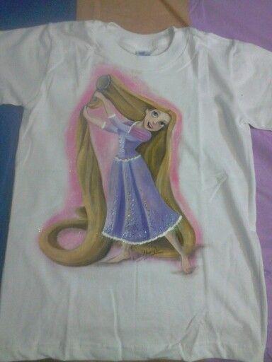 Franela pintada a mano de Rapunzel