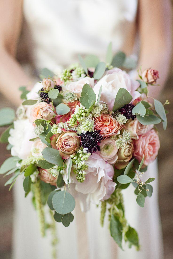 Photo by Olof Elm - Lindström Studio - www.lindstromstud... - © Copyright Fotograf Jonas Lindström AB - #wedding #bröllop #love #brudpar #vigsel #bride #flowers