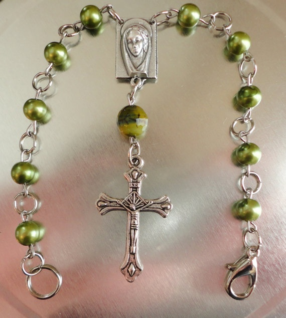 Shades of Green Car Rosary by SimplyChicCositas on Etsy, $18.00