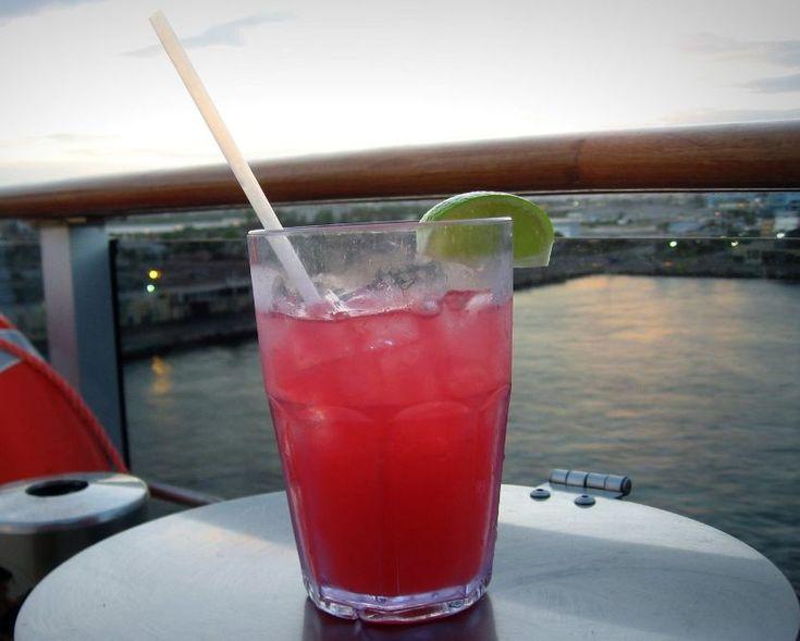 Sea Breeze - drink z wódką i sokiem żurawinowym | DRINKI.ML