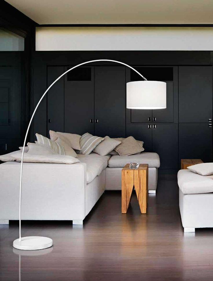 Φωτιστικό δαπέδου (επιδαπέδιο), σε μοντέρνο στυλ, με βάση και σώμα μεταλλικό με υφασμάτινο καπέλο. Από την Perenz. Διατίθεται σε 2 χρώματα: λευκό και μαύρο. ------------------------------------ Floor lamp, modern style, metal body with cloth hat. Available in 2 colors: white and black. #floor #floorlamp #floolight #lighting #homedecor #homeideas #decorideas