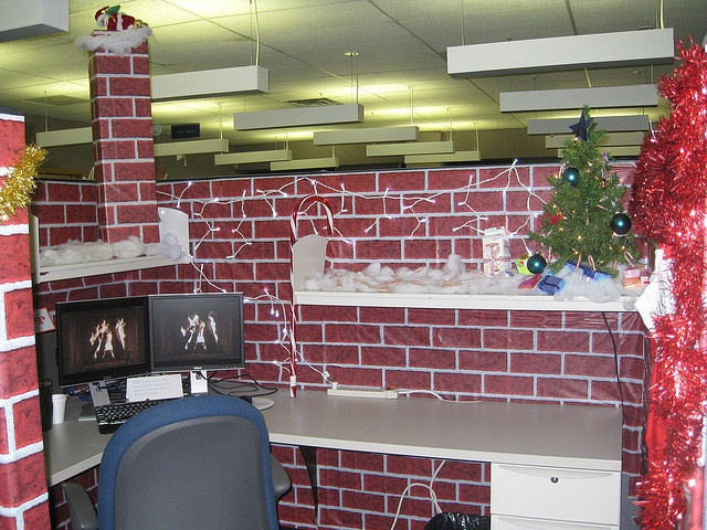 10 halloween decorating ideas for your office cubicle arnolds - 10 Best Christmas Corporate Ideas Images On Pinterest