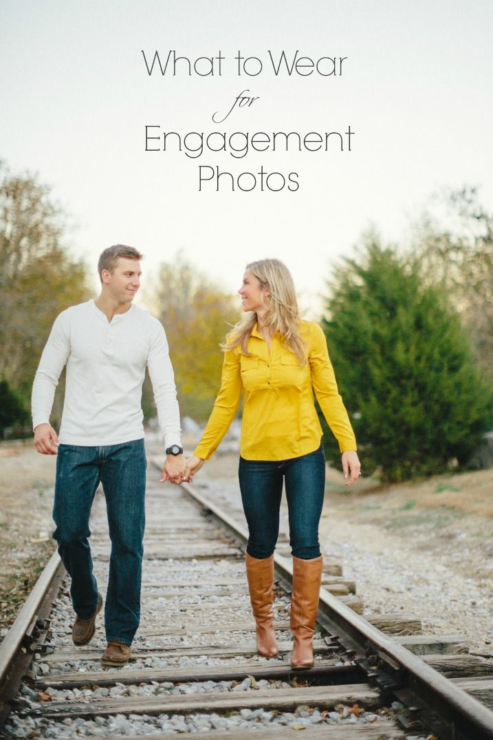 What to Wear for Engagement Photo by JoPhoto