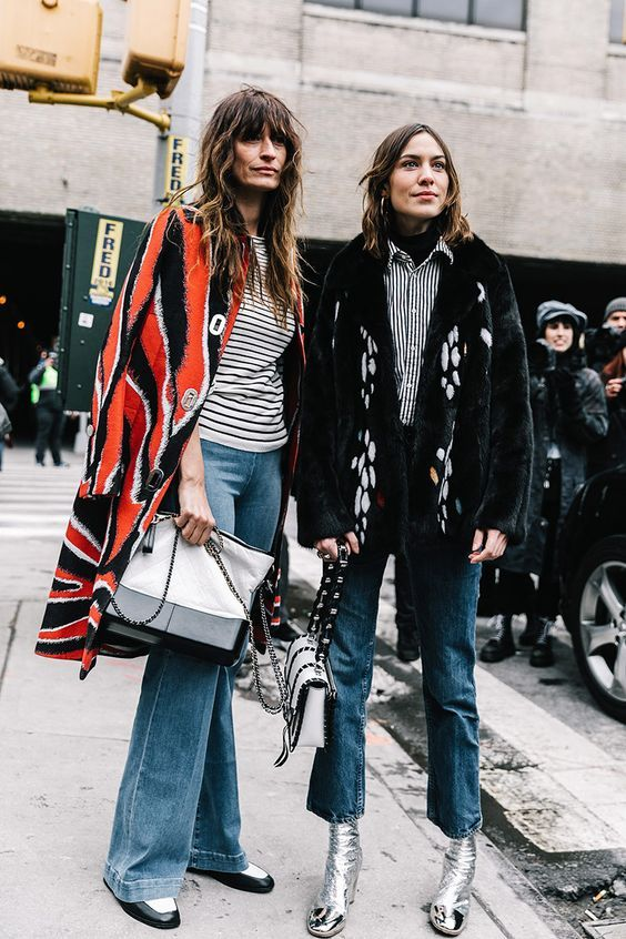 Caroline de Maigret is a producer, model, photographer and author of the by-now-cult title How to be Parisian Wherever you Are. We met her for an interview (hier with Alexa Chung)
