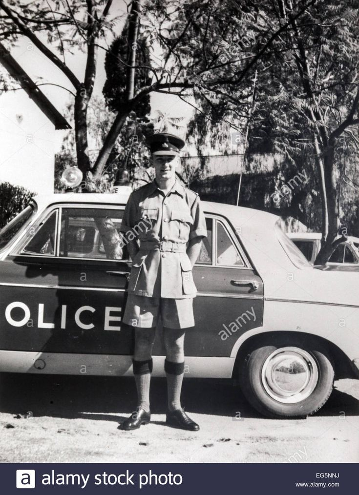 bsap-patrol-officer-in-the-southern-rhodesian-colonial-police-with-EG5NNJ.jpg…