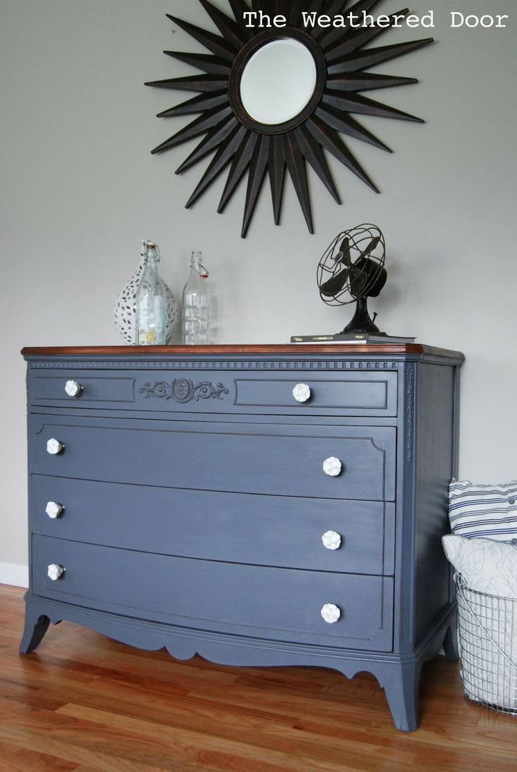 The Weathered Door A French Grey Dresser With A Wood Top I Really Like This Paint Color Hurricane By Country Chic P Furniture Grey Dresser Painted Furniture [ 1099 x 736 Pixel ]