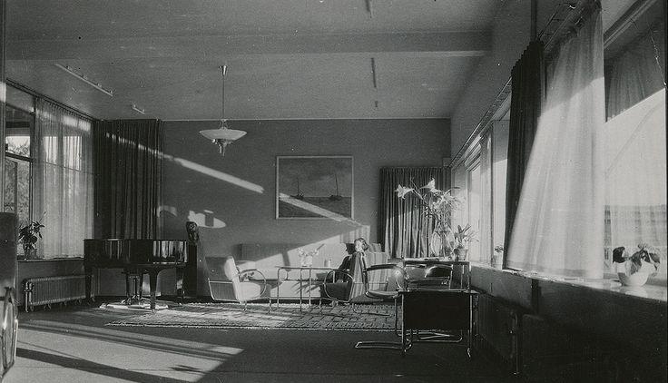 RUDY/GODINEZ: Brinkman and Van der Vlugt, Villa Sonneveld,...