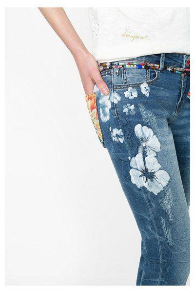 Jeans skinny con flores Desigual. ¡Descubre la colección primavera-verano 2016!