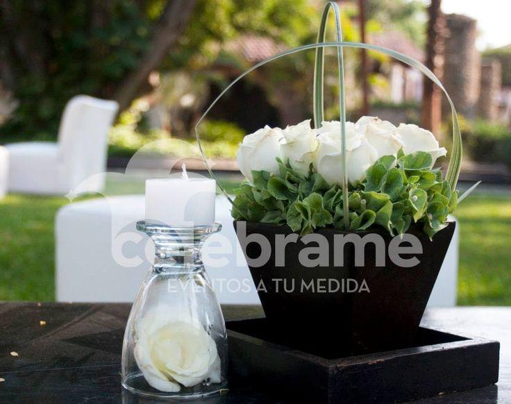 Centros de mesa para periqueras y salas lounge boda / Wedding centerpieces for lounge area. www.celebrame.com.mx