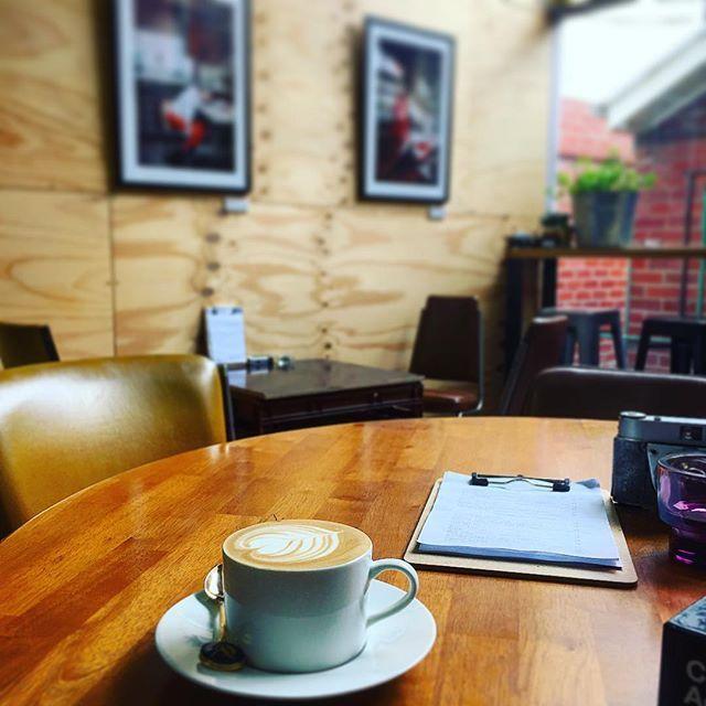 Happy Monday Geelong! #analogueacademy #eatdrinkrelax #lovecentralgeelong #shootfilmridebikeseatfranks #shootfilmridebikes #cuzensplace #geelong #geelongart #geelongcafe #coffee
