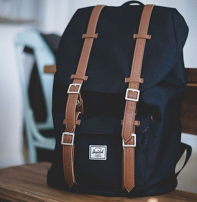 Fantastic casual look Hershel backpack #mensfashion #mensapparel #mensfashionreview #raddestlooks