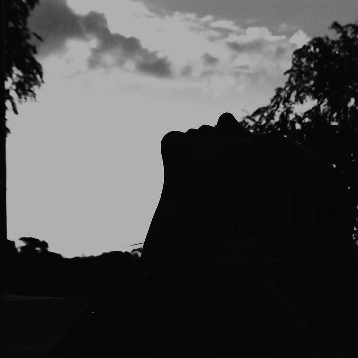 Repiro. #Imagephilia#instagram#descubriendoigers#Igersbsas#ig_all_americas#instagramers#instamhub#instan_taneo#ig_buenosaires#ig_argentina#argentina_ig#buenosaires#nubesdetuciudad  #fotodeldiabsas#argentinaigers#nikon_ar#argentina_greatshots#loves_argentina#amateurs_shot#summer#silueta #urbanfamily#communityfirst#instaghestboro #bnw_rose #world_bnw#argentina360#nomadadestinoincierto#silhouette_creative #tv_silhouettes Re-post by Hold With Hope