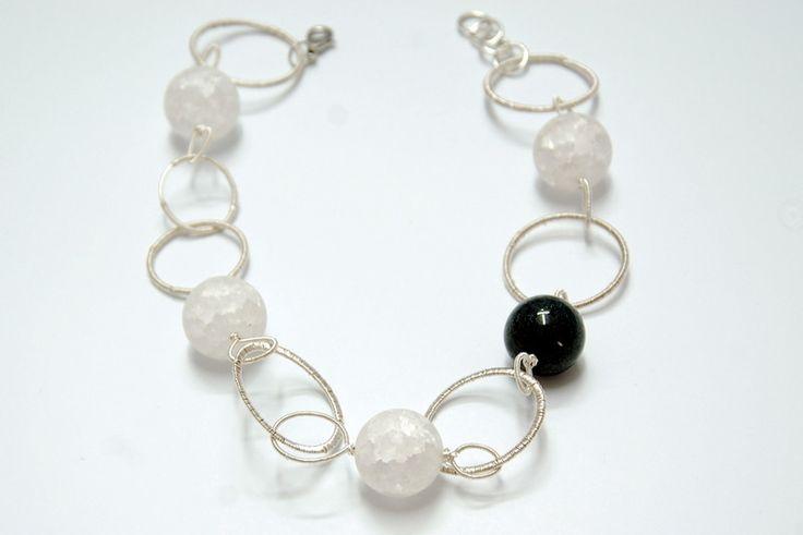Kule kwarcu lodowego i srebrne koła - jolinowo - Naszyjniki krótkie