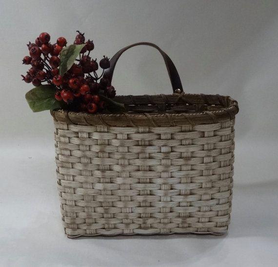 1000 ideas about wall basket on pinterest woven baskets storage baskets and market baskets. Black Bedroom Furniture Sets. Home Design Ideas