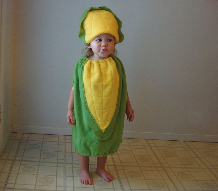another cute corn on the cob costume.