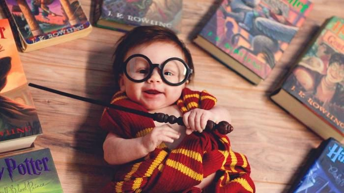 Bayi Lucu ini Pantas Dinobatkan sebagai Fans Harry Potter Termuda, Aksinya Super Gemesin!