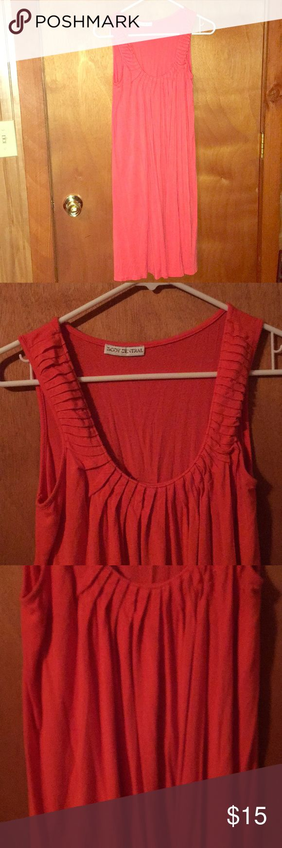 Body central Coral pleated dress Coral in color cotton very comfy and cute Body Central Dresses Midi