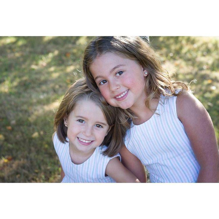 Os recomendamos el ultimo post del blog con la sesión de las guapas Valeria y Daniela. Link en el perfil  #hermanas #sister #sis #niños #fotosniños #sesiondefotos #bosque #prado #naturaleza #sesionfamilia #fotosniñas #exterior #Asturias #Gijon #family #manos #hand #fotografias #fotoasturias #love #instagood #picoftheday #kids #photokids #smile #laugh #hugs #kiss