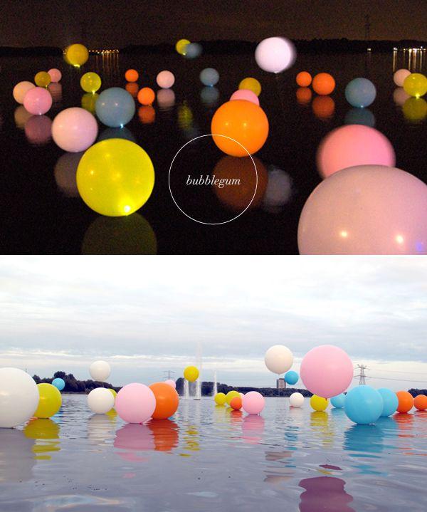 Incredible! Bubblegum Installation // by Merijn Hos & Renée Reijnders: Bubbles Installations, René Reijnder, Floating Bubbles, Bubblegum Art, Art Installations, Rene Reijnder, Installations Call, Bubblegum Installations, Merijn Hos