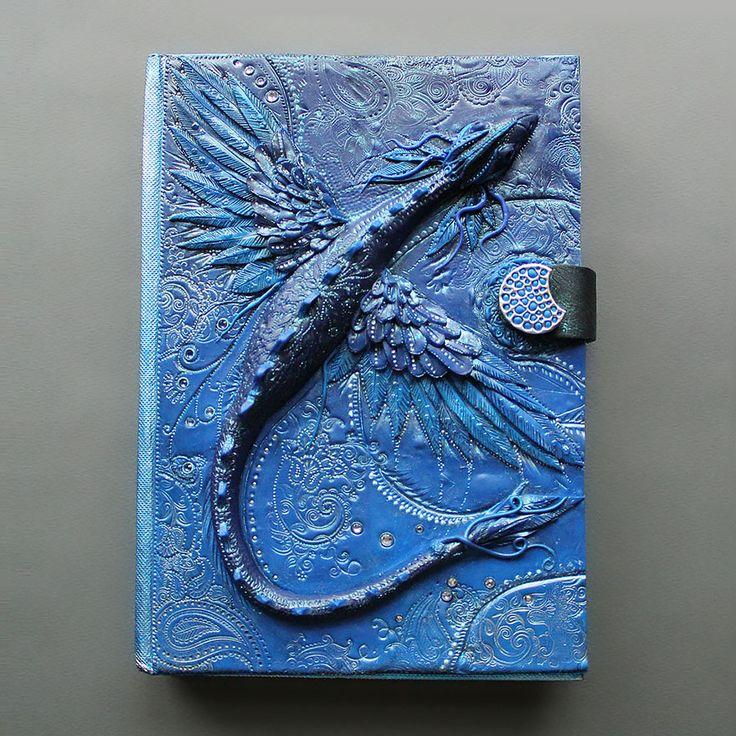 Niesamowita okładka książki wykonana przez łotewską artystkę Aniko Koleshnikovą.