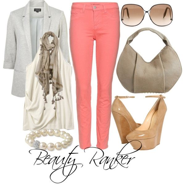Cute Outfit with Peach colored Jeans.