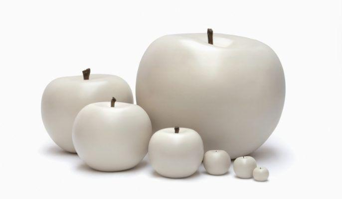 Cores da terra maakt kunst met een verhaal. Net als echte appels in de boomgaard zijn deze keramieken appels stuk voor stuk unieke designobjecten. Hun realistische uiterlijk wordt verkregen dankzij het gebruik van enkel klei en natuurlijke kleurpigmenten. Opdat alles er zo levensecht mogelijk zou uitzien, worden boomtwijgjes gebruikt voor de stelen. Het verbaast dan ook niet dat de natuur de grootste inspiratiebron van oprichtster Selma Calheira. De naam 'Cores …
