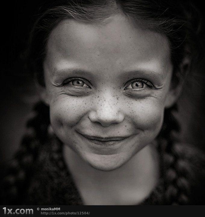 Smiling eyes by Lizeth on DeviantArt