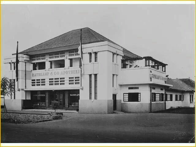 Apothek Rathkamp & Co jalan Darmo diresmikan 1 Dec 1930