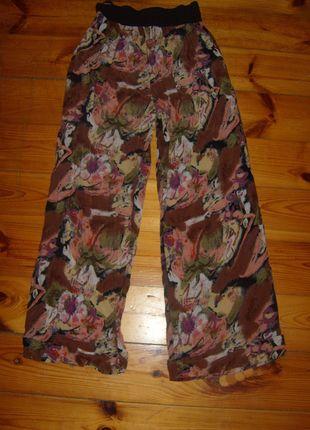 Kup mój przedmiot na #vintedpl http://www.vinted.pl/damska-odziez/spodnie-inne/3008990-kolorowe-spodnie