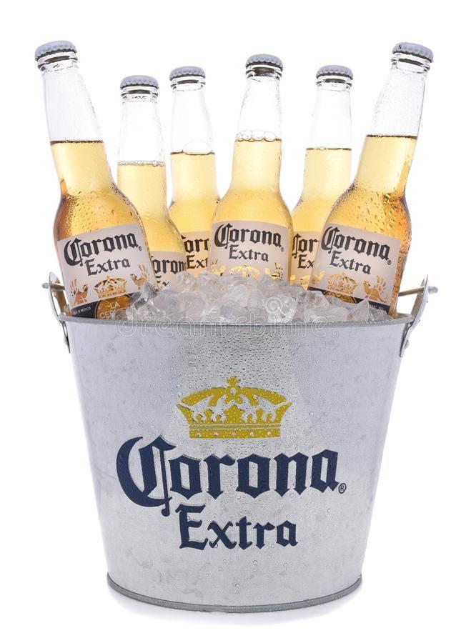 Bucket Of Corona Extra Beer Bottles Irvine California November 27 2017 Buck Ad Beer Bottles Irvine Bucket Corona Beer Bucket Beer Beer Bottle