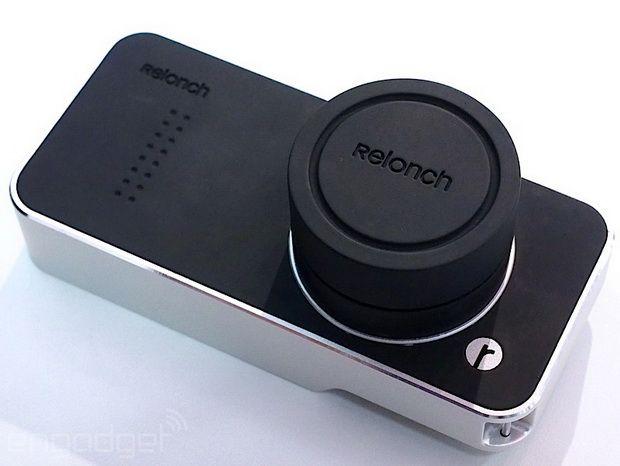 いわゆるアカンパニー製品ですがハードウェア自体の性能がとても高く、スマホをインテグレーションしてしまうというアイディアが面白い。  APS-CセンサとF2レンズ搭載の iPhoneケースRelonch Camera。