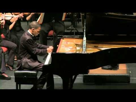 Here is an example of Sulayman Human's  mastery of the piano. He plays Klein Karoo Klassique 2013 (8 - 11 August). #classical #artist #performer #kleinkaroo #event #todo