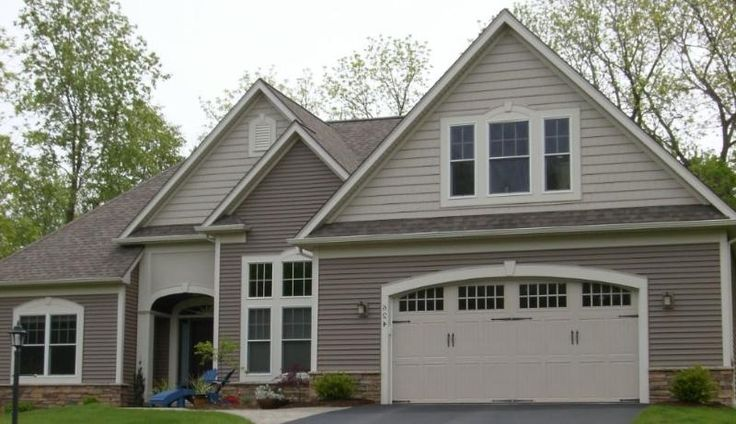 Vinyl exterior house color schemes cedar shake vinyl for Vinyl siding colors on houses