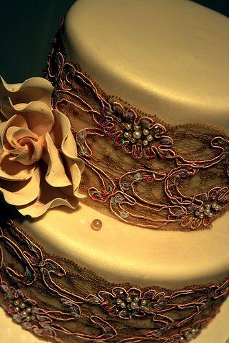 Kylie Lambert ...Wedding Photography, Wedding Cake Recipe, Cake Wedding, Romantic Wedding, Vintage Lace, Wedding Ideas, Lace Cake, Wedding Photos, Gold Wedding Cake