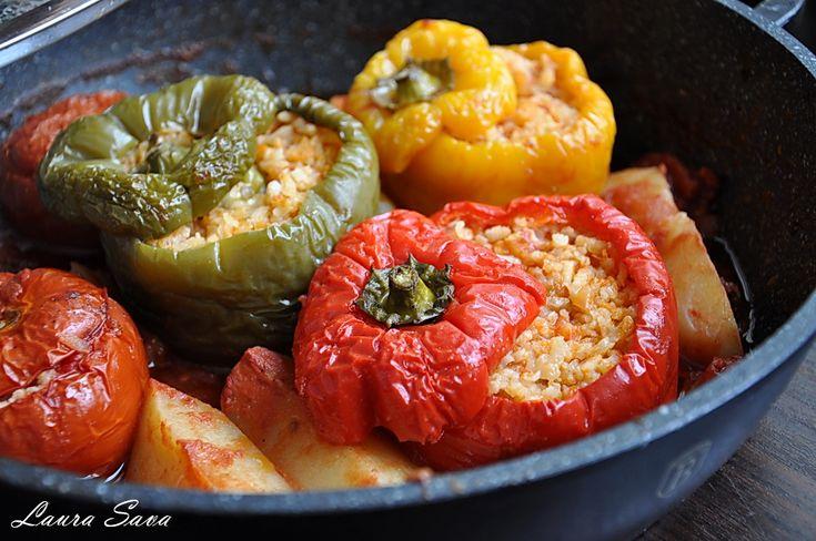 Ardei si rosii umplute, de post | Retete culinare cu Laura Sava - Cele mai bune retete pentru intreaga familie