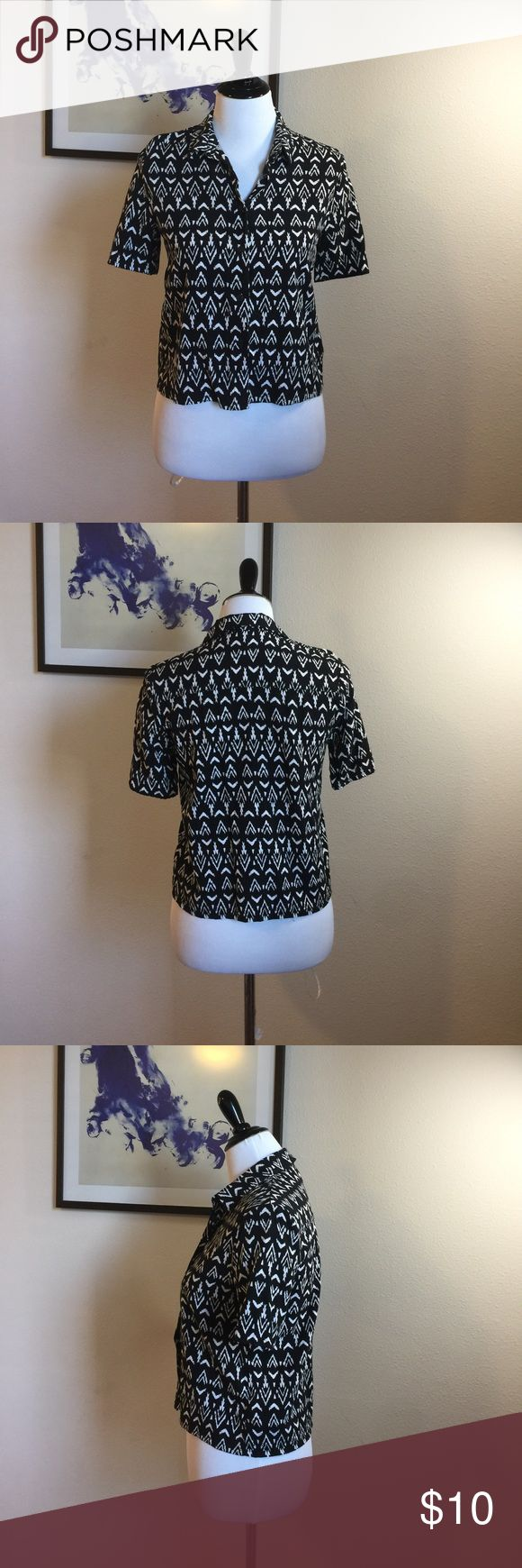 """Women's Aztec shirt Like NEW Condition.  Measurements: Bust: 18.5"""". Length: 20"""". Not long enough for leggings, but great to pair with shorts or jeans. 🌟Top Rated seller⚡️Fast shipper😘 Offers are welcomed ❣️No Trade Divided Tops Button Down Shirts"""