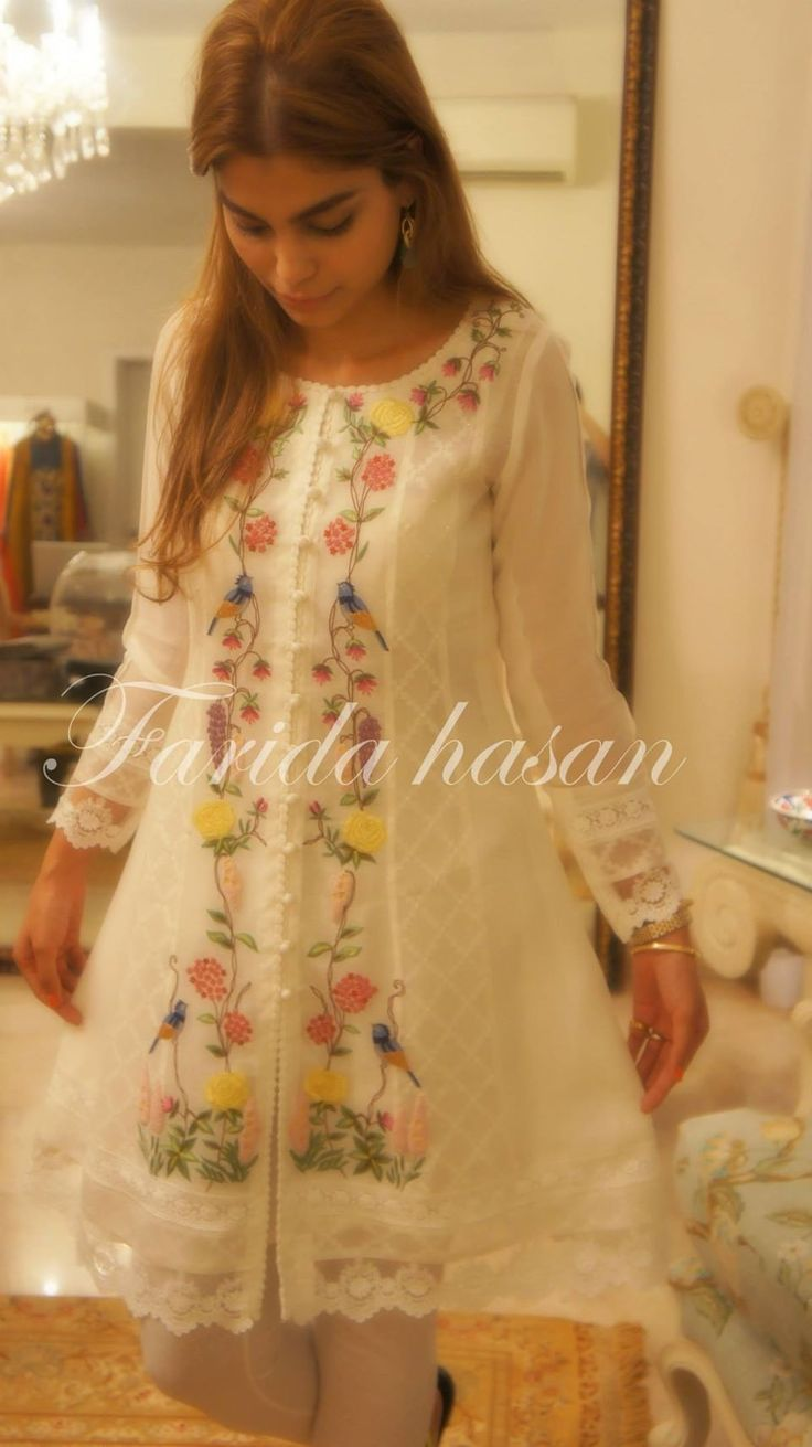 One of my favourite short shirts by Farida Hassan (Pakistan) Love her signature 'karhai' & pret wears