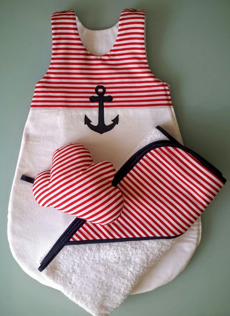 Gigoteuse, turbulette bébé été blanche et rouge et cape de bain assortie