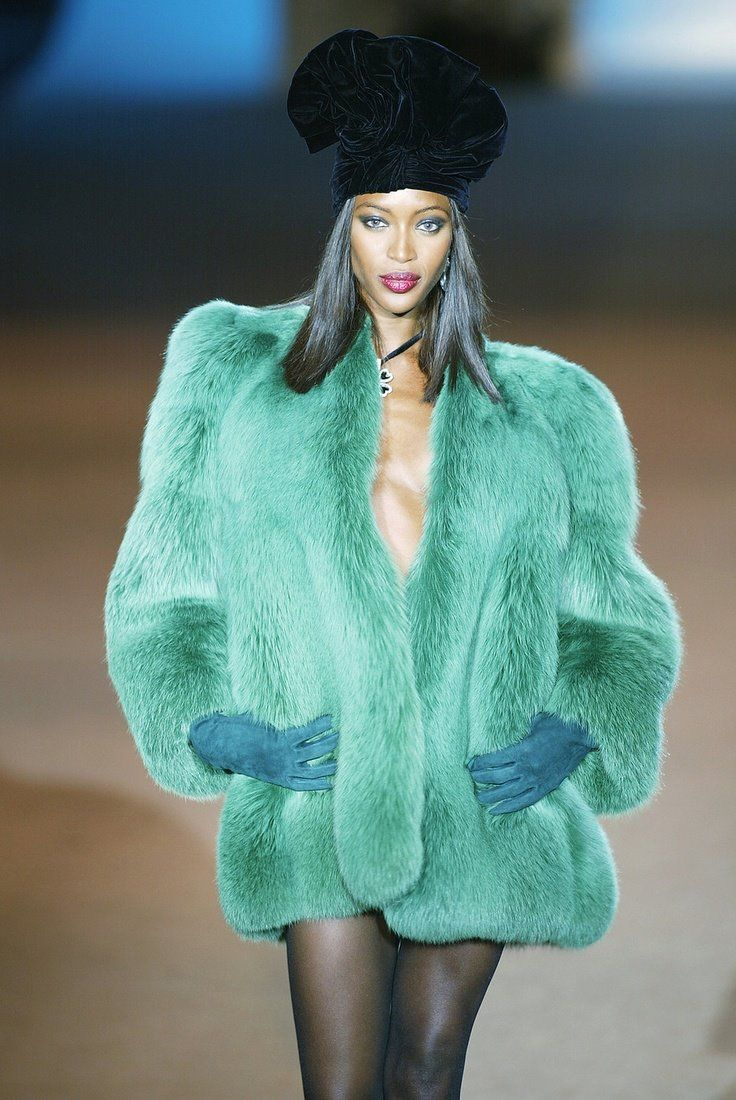2002 retrospective show naomi campbell in a green fox. Black Bedroom Furniture Sets. Home Design Ideas