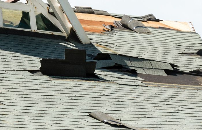 Searching Around For Qualified Roof Repairs Contractor In New York Alright Your Quest Ends Here Give Us A Call And L Roof Repair Roofing Contractors Roofing