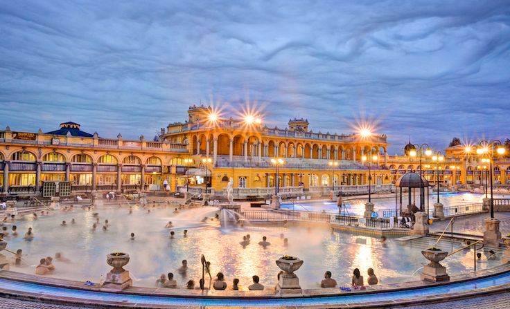 Find out everything you could possibly need to know about visiting a Budapest spa in our handy guide to the city's thermal baths!