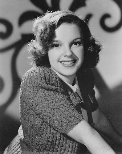 Young Judy Garland B&W by darlingliz, via Flickr