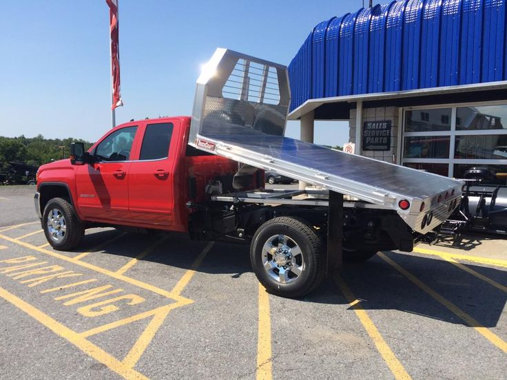 This GMC 2500 looks sweet with this TruckCraft Arrow aluminum flatbed!! | Trucks, Cars, And