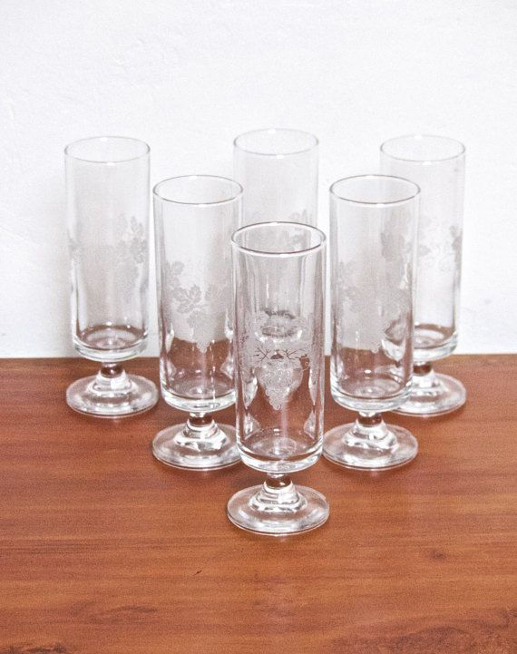 Vintage Mid Century  Grapevine Pattern Clear Etched Glass