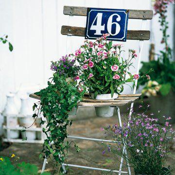 Une chaise détournée en jardinière // chair, planter, flowers, garden, summer