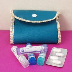 Étui pochette homéopathie pour 4 tubes granules et médicaments bleu canard