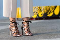 #sandals #heels #shoes #zapatos #zara #highheels #stilettos   #sandalias abotinadas con cordones en estampado de #serpiente de Zara