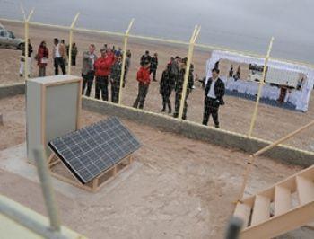 ¿Te imaginas vivir en un lugar con electricidad gratis? El pueblo de Esquiña lo logró gracias a la energía solar fotovoltaica... http://www.explora.cl/noticias-nacionales/2544-esquina-el-primer-pueblo-de-chile-con-energia-electrica-gratuita