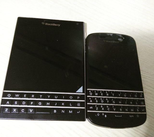 #inst10 #ReGram @beerbombi: 아직 #현역  #blackberry #q10 과 Passport 머큐리 나오면 호구는 힘이엄고요ㅠ #qwerty #lover  이와중에 메인은 #mimax  #덕질 #일상 #daily #태그생각안나쒸익  #BlackBerryClubs #BlackBerryPhotos #BBer #BlackBerryQ10 #Q10 #QWERTY #BlackBerryGirls #Lady